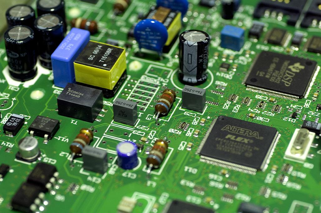Prestations électroniques et optoélectroniques